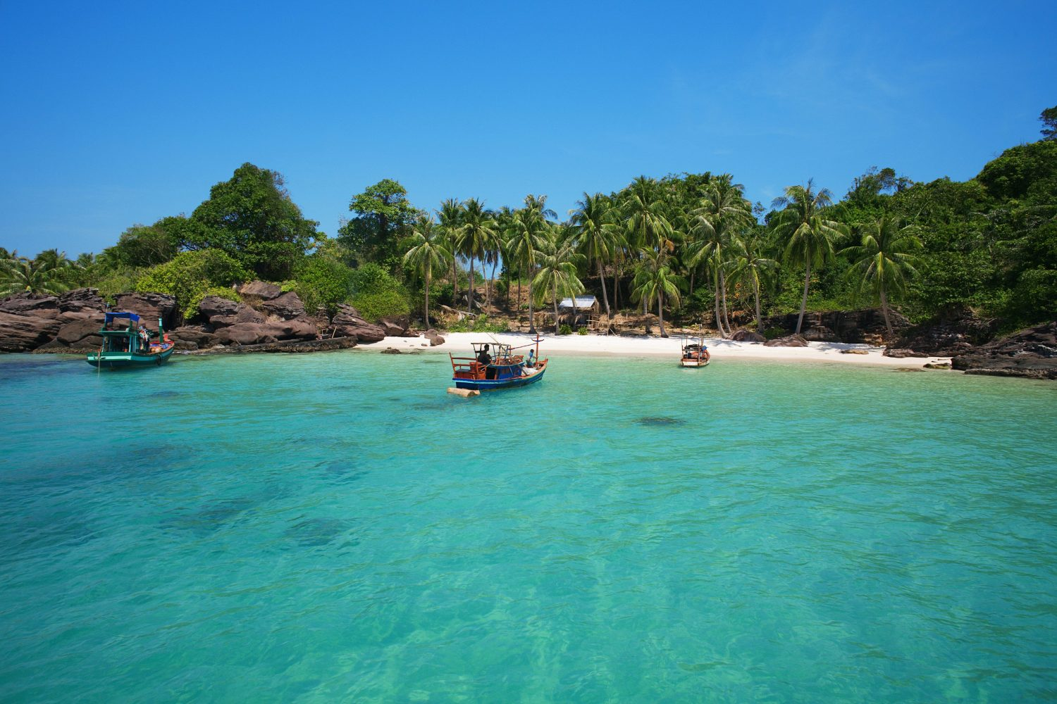 SGNPHU_KF_0007 An Thoi islands snorkelingtour, Phu Quoc, Vietnam. *** Local Caption *** solglas