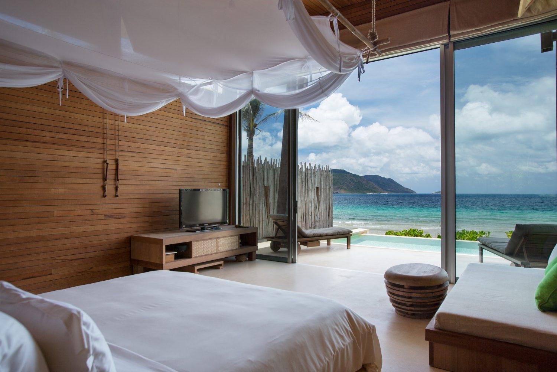 ocean-front-villa-bedroom